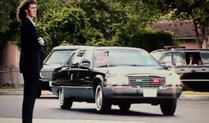 Bush&#8217;s motorcade arrives at Booker Elementary School.