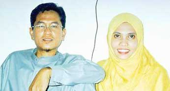 Yazid Sufaat (left), and his wife, Sejarahtul Dursina (right).