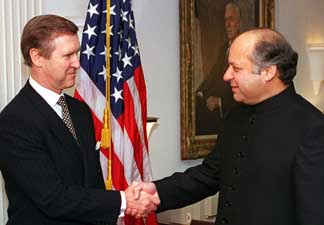 Nawaz Sharif meeting with US Defense Secretary William Cohen at the Pentagon on December 3, 1998.