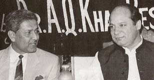 A. Q. Khan (left) and Pakistani Prime Minister Nawaz Sharif.