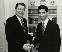 President Reagan and Dartmouth Review editor Dinesh D&#8217;Souza, 1988.