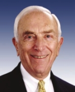 Frank Lautenberg, one of the Senate Democrats critical of the White House&#8217;s response to the leak investigation.