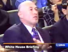 'Jeff Gannon' taking part in a White House press briefing.