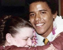 A 1983 photo of Madelyn Dunham hugging her grandson, Barack Obama, on the occasion of his graduation from college.