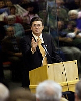 Richard Mack speaks to a tea party rally in Post Falls, Idaho, in November 2009.