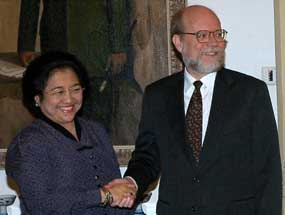 Ralph Boyce meeting with Megawati Sukarnoputri in September 2004.