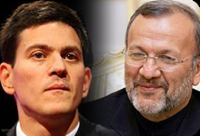 David Miliband (L), Manouchehr Mottaki (R).